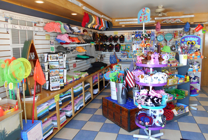 Bills-Seafood-Restaurant-Westbrook-CT-Ice-Cream-Shop-and-Gift-Shop